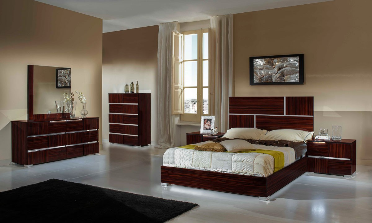 Lacquer bedroom furniture Lane Buy Modern Classic Italian Furniture Online In La Modrest Picasso Italian Modern Ebony Lacquer Bed Buy Furniture In La